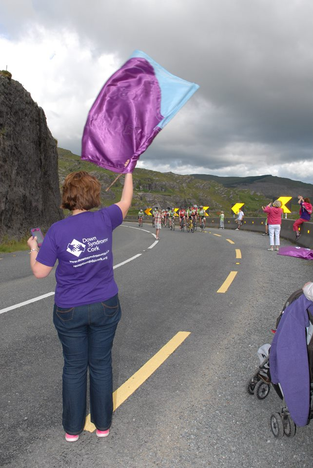 supporters at Caha Pass